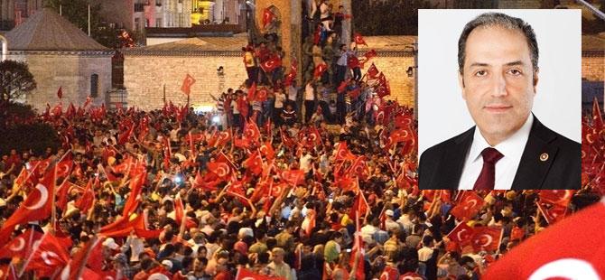 Mustafa Yeneroglu sagt, die Türkei sei ein «zuverlässiger Verhandlungspartner»: Eine Pro-Erdogan-Demonstration in Istanbul.